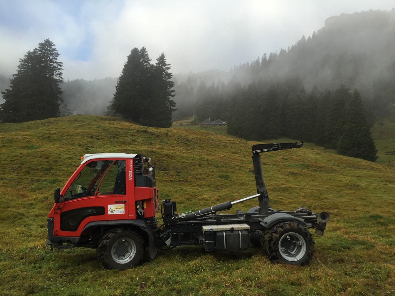 Transporter maschinen u zogg tiefbau ag grabserberg sg for Einbauküche m max